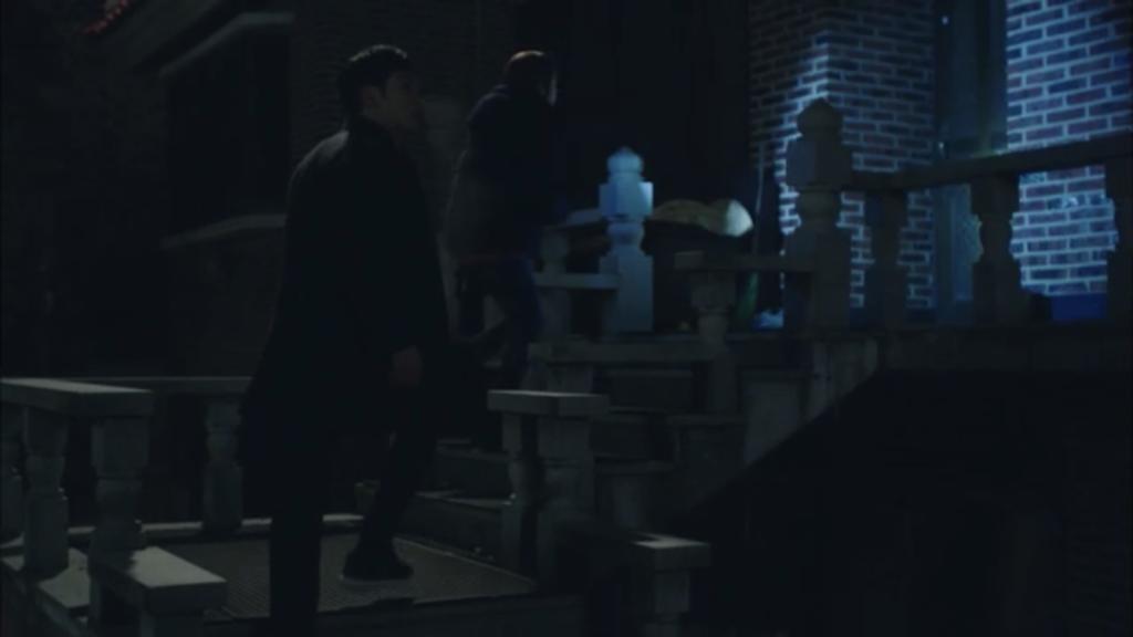 韓国ドラマ「シグナル」12話あらすじ。石段の下に白骨遺体が埋まっていた